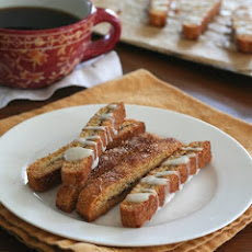 Cinnamon Roll Biscotti – Low Carb and Gluten-Free