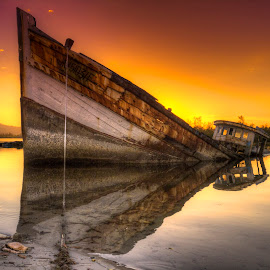 Sinking by Lawrence Chung - Transportation Boats (  )