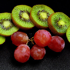 Kiwi & grapes. by Andrew Piekut - Food & Drink Fruits & Vegetables (  )