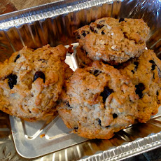 Chewy Crispy Oatmeal Raisin Cookies