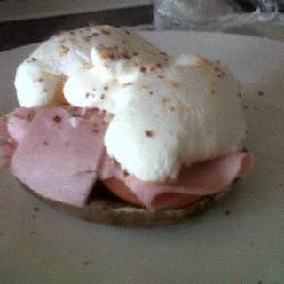 Low Fat Low Carb Mushroom Muffin With Poached Egg 'n Ham