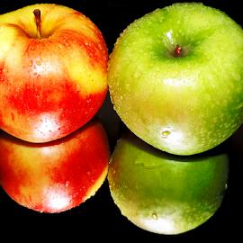 twoo apples by LADOCKi Elvira - Food & Drink Fruits & Vegetables ( apple )