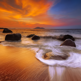 golden light & wave by Michael Therendo - Landscapes Beaches ( waves, sunset, seascape, landscape, rocks )
