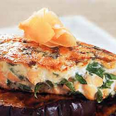 Salmon Burgers with Spinach and Ginger