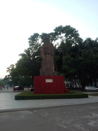 Hainan University Statue 8680