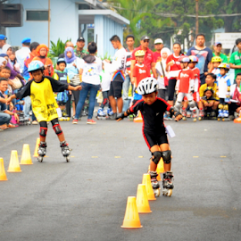 dance with the cone by Robert Antonius - Sports & Fitness Other Sports ( slalom, rollerblade, speed slalom, inlineskate, funskate )