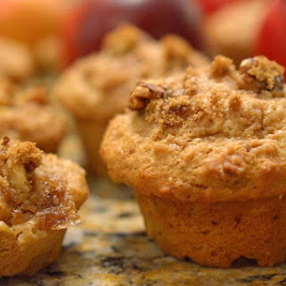 Easy Whole Wheat Apple Muffins