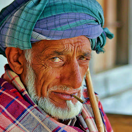 Attitude in eyes by Raman Thakur - People Portraits of Men ( attitude, himacha, old man, india,  )