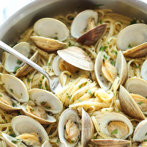 Easy Linguine with Clams