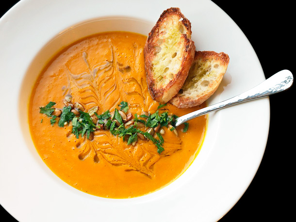 Vegan: Roasted Squash and Raw Carrot Soup