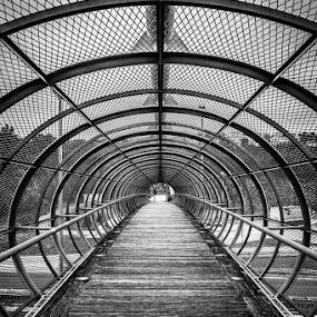 tunelom preko ceste by Vedran Bozicevic - Black & White Buildings & Architecture ( rijeka, croatia, tunell,  )