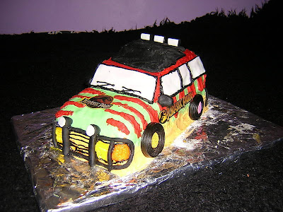 jurrasic_park_jeep_Polly_side_geekcake