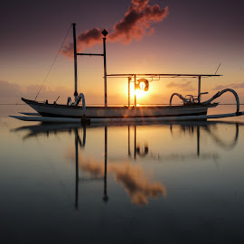 Beautiful morning by Ade Irgha - Transportation Boats