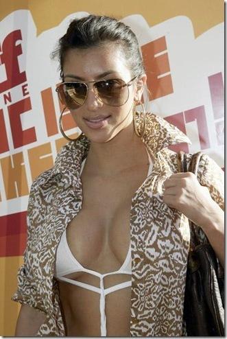 kim-kardashian-bikini-04-4528.jpg