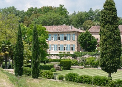 Brad Pitt and Angelina Jolie Mansion In France picture