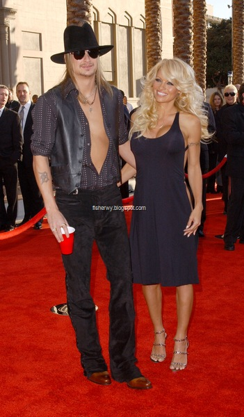 Photo of Kid Rock and Pamela Anderson attending 31st Annual American Music Awards
