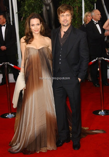 brad pitt and angelina jolie twins 2009. Brad Pitt and Angelina Jolie