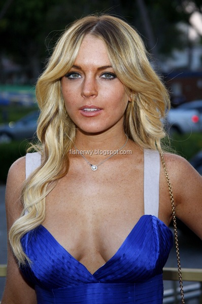 Picture of top ten of Hollywood best breasts Lindsay Lohan