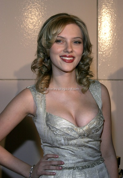 Picture of top ten of Hollywood best breasts Scarlett Johansson