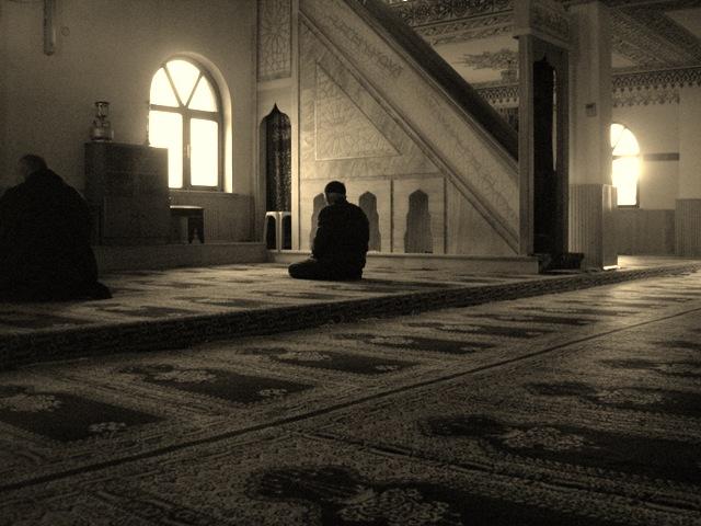 Contemplating before Mahgrib Prayer