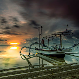 Starting a new day by Ade Irgha - Transportation Boats ( explore bali, sanur, boats, seascape, sunrise )