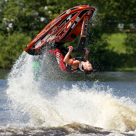 by Dave Hudson - Sports & Fitness Watersports