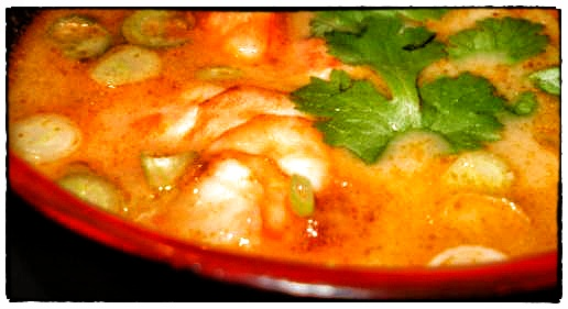 Spicy red thai curry soup