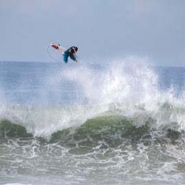 by Chris Leatherwood - Sports & Fitness Surfing (  )