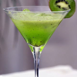 10 best kiwi fruit cocktail recipes yummly for Cocktail kiwi vodka