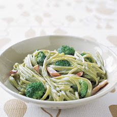 Spinach Linguine with Ham and Broccoli