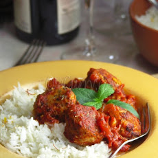 Daoud Basha – Meatballs with pine nuts in a rich tomato sauce