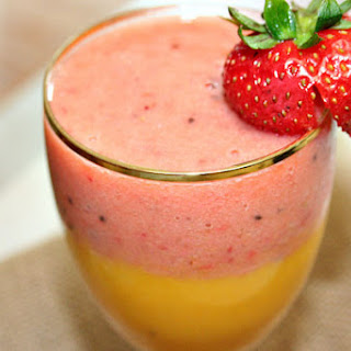 Layered Strawberry and Mango Smoothie