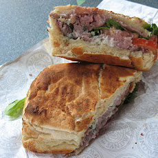 Hearty Roast Beef Sandwiches With Horseradish Mayonnaise