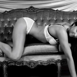 On the Couch by Simone Sheridyn - Nudes & Boudoir Boudoir ( glamour, model, lingerie, couch, bum, hair, photography, portrait )