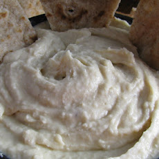 Roasted Garlic White Bean Hummus