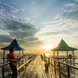 beautifully lonely by Barrock Adji - Novices Only Landscapes ( kenjeran, indonesia, beautiful, guitar, beach, sunrise, lonely, jawa, surabaya )
