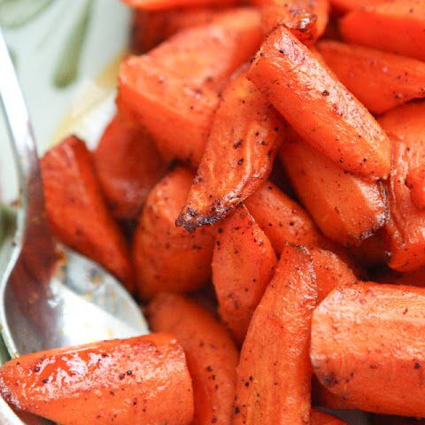 Chili Maple Roasted Carrots