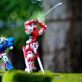 red vs blue by Aji Mulyono - Artistic Objects Toys
