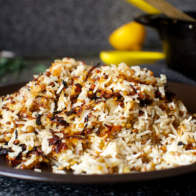 Stuck-Pot Rice with Lentils and Yogurt