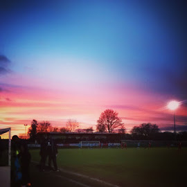 Saturday afternoon at Hemel FC ...... Winning 1-0 :) by Mark Thompson - Instagram & Mobile Android