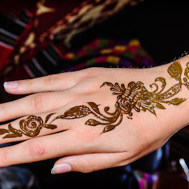 Mehandi  by Pradeesh Joseph - People Body Art/Tattoos ( hand, mehndi, colors, woman, nikkor, nikon, women, black )