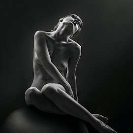 Slave to light by Maxim Malevich - Nudes & Boudoir Artistic Nude ( erotic, nu, body, girl, nude, black and white, woman )