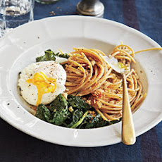 Whole-Wheat Spaghetti with Kale, Poached Eggs, and Toasted Breadcrumbs