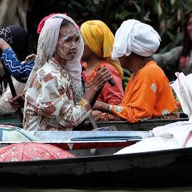 lb#5_48 by Tt Sherman - People Street & Candids ( market, boat, women )