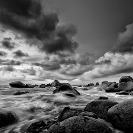 Storm Coming by Pimpin Nagawan - Landscapes Weather
