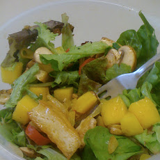 Goats cheese and mango salad