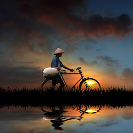 senja itu by Indra Prihantoro - Digital Art People ( sunset, people, bicycle )
