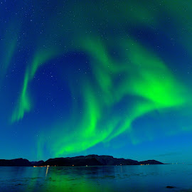 Northern lights by Marius Birkeland - Landscapes Waterscapes ( sky, northern lights, aurora borealis, aurora, sea )
