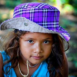Little girl by Rafael Arnoldo Martínez Zúniga - Babies & Children Child Portraits ( girl, la joya, nicaragua, granada, portrait )