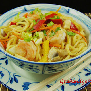 Shrimp Chow Mein with Vegetables